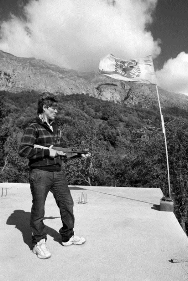 626 Αλβανοί Ορκωτών Παρθένες (12 φωτογραφίες)
