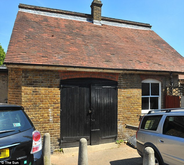 The outbuilding in the grounds of a North London pub, where the Hatton Garden robbers are alleged to have plotted the heist