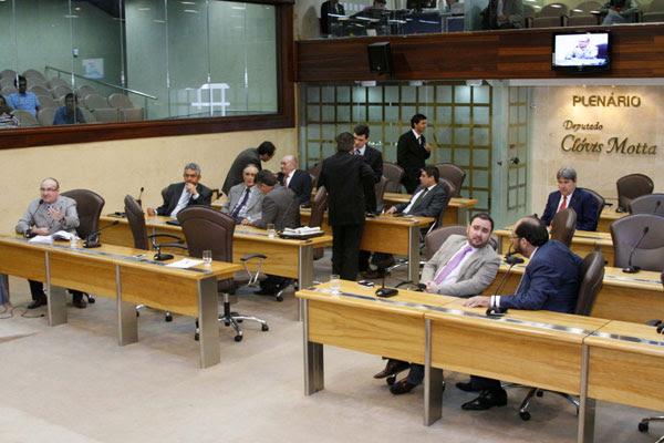 Deputados devem intensificar o diálogo para chegar a um acordo sobre apreciação dos vetos e projeto