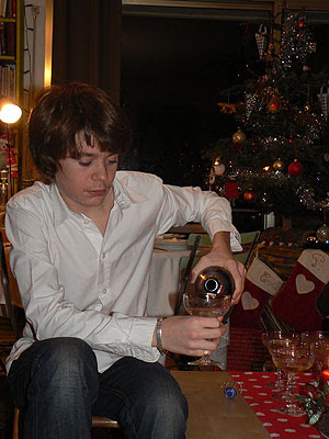 paul sert le champagne 3.jpg