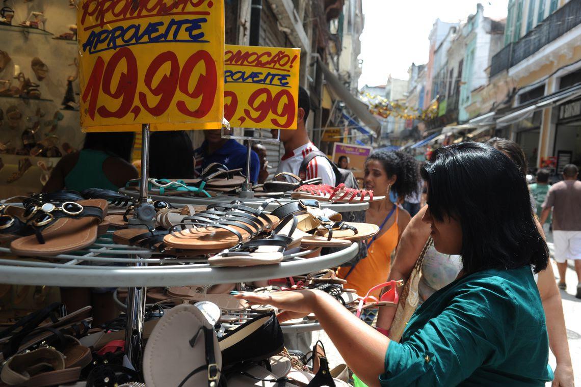 Comércio de rua, sapatos
