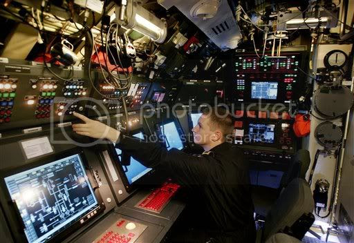 Resultado de imagen para type 212 submarine inside
