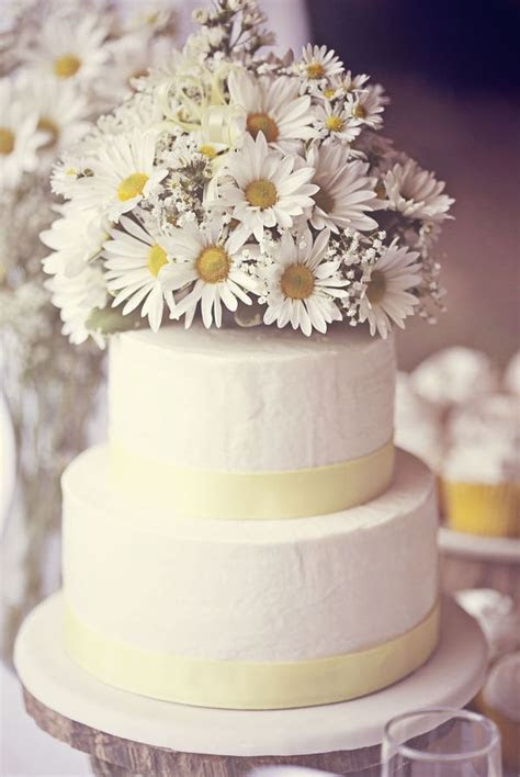 17 Best images about Daisy yellow white wedding cake on