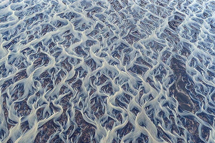 http://www.demilked.com/magazine/wp-content/uploads/2014/06/nordic-landscape-nature-photography-iceland-30.jpg