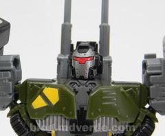 Transformers Bombshock con Combaticons Power Core Combiners - modo combinado