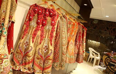 Top 10 Places in Delhi for Wedding Shopping ? EaseMyTrip.com