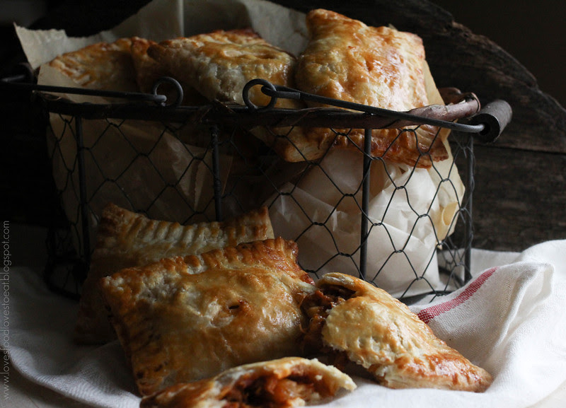 Loves Food, Loves to Eat: BBQ Pulled Pork Hand Pies