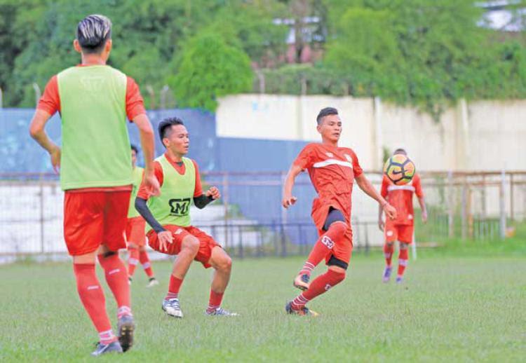 Ilham Irhaz saat masih latihan bersama Persiba Balikpapan Copyright: Balikpapan Prokal
