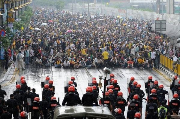http://fabm.files.wordpress.com/2011/07/bersih2.jpg?w=600