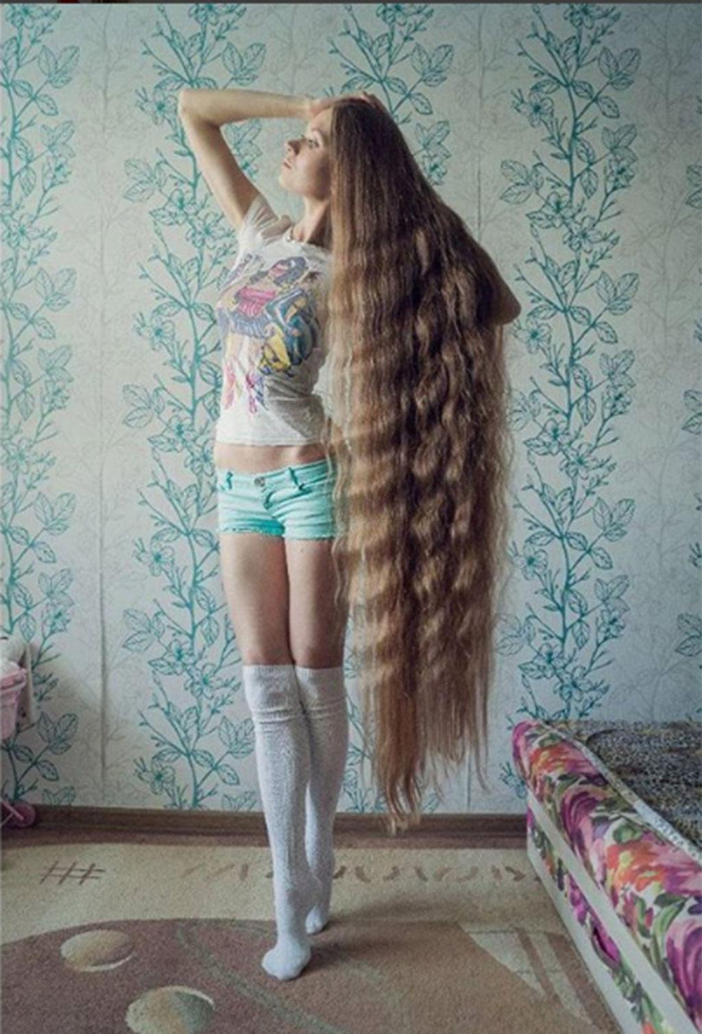A rapunzel da vida real não corta os cabelos há 13 anos 02