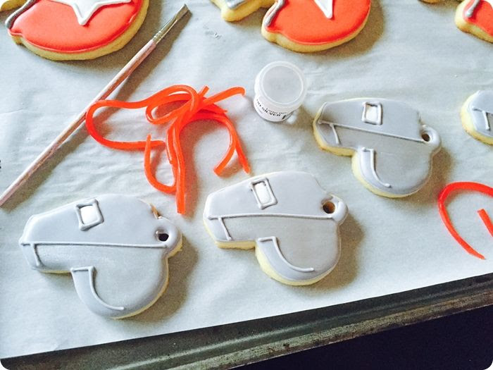 how to make whistle cookies ... perfect for a football cookie set!