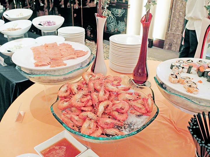 holiday inn hotel orchard salmon prawns