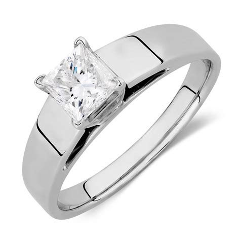 Solitaire Engagement Ring with a 3/4 Carat Diamond in 14kt