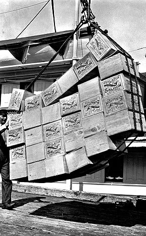 English: Loading boxes of salmon, Petersburg A...