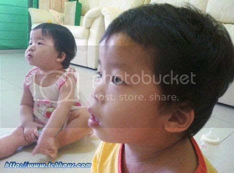 photo BabiesWatchingTV09_zps025d9cab.jpg