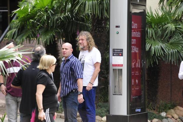 Antes de show na Capital, Robert Plant passeia nos arredores do hotel Ronaldo Bernardi/Agencia RBS