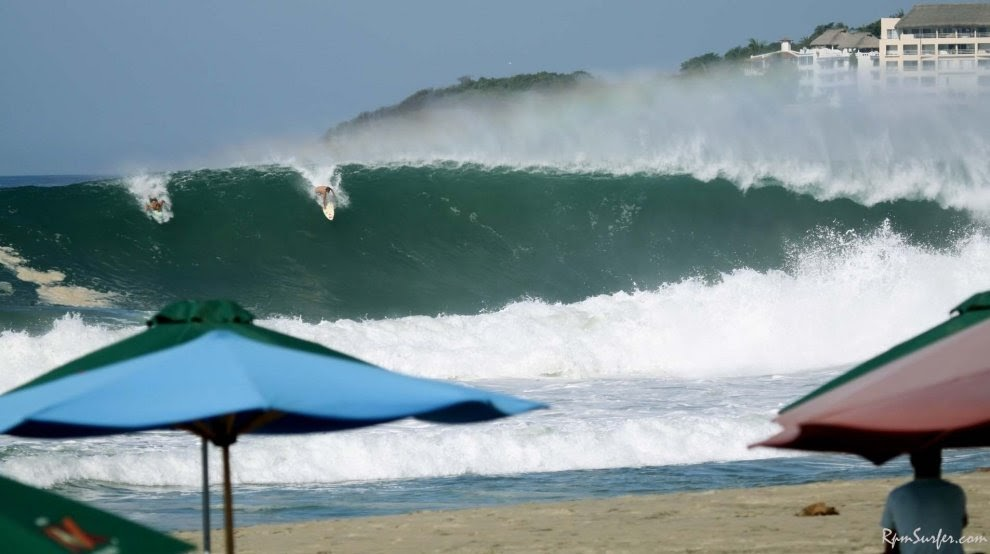 Playa Zipolite. Welcome To The Beach Of The Dead!: Surf