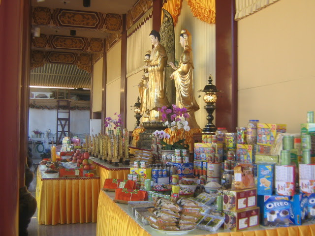 File:Sangha Day Hsi Lai Temple.JPG