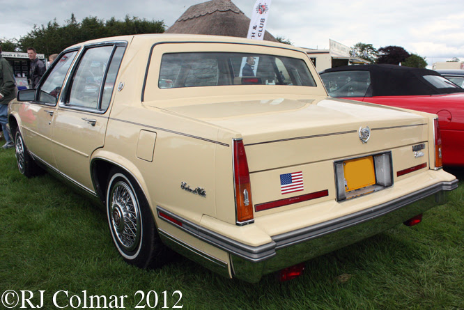 Cadillac Sedan de Ville, Classics at the Castle, Sherborne Castle