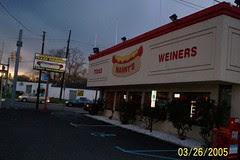 Mannys hotdog diner