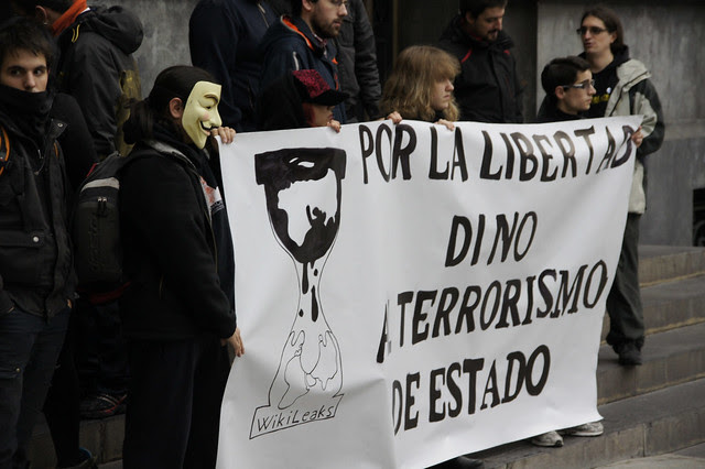 Movilización Pro-wikileaks OPERATION DEMONSTRATION Zaragoza 08-01-2011
