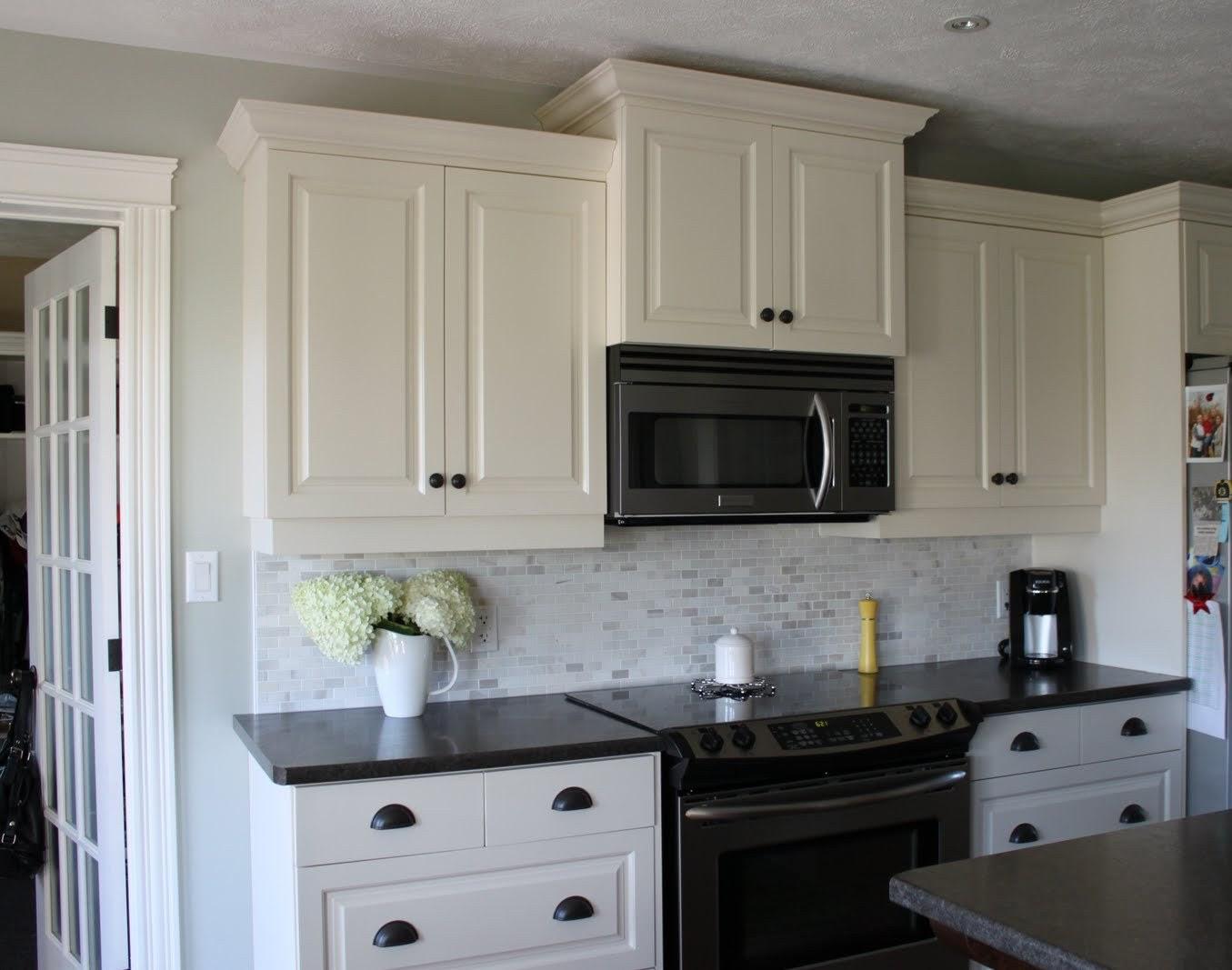 White Kitchen Cabinets With Dark Backsplash 33 Best Collection Free Wkcwdb Hausratversicherungkosten Info