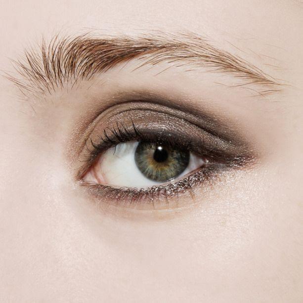 Le Fashion Blog How To Do A Smoky Eye Beauty Tutorial Charlotte Tilbury Luxury Palette The Rock Chick Eyeshadow Quad