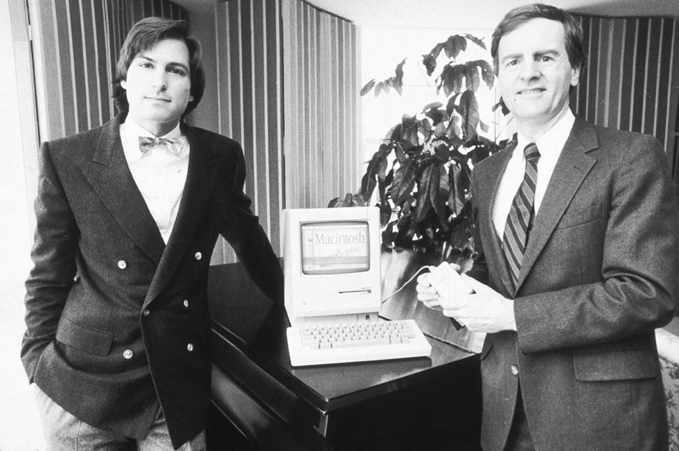 La vida de Steve Jobs, en imágenes  - Con pajarita