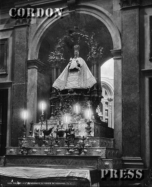 Virgen del Sagrario de la Catedral de Toledo hacia 1875-80. © Léon et Lévy / Cordon Press - Roger-Viollet
