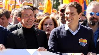 Valls amb Albert Rivera en una manifestació de Societat Civil Catalana
