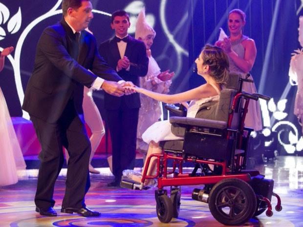 Mauricio dança valsa com a filha Ana Clara (Foto: Tata Barreto / TV Globo)