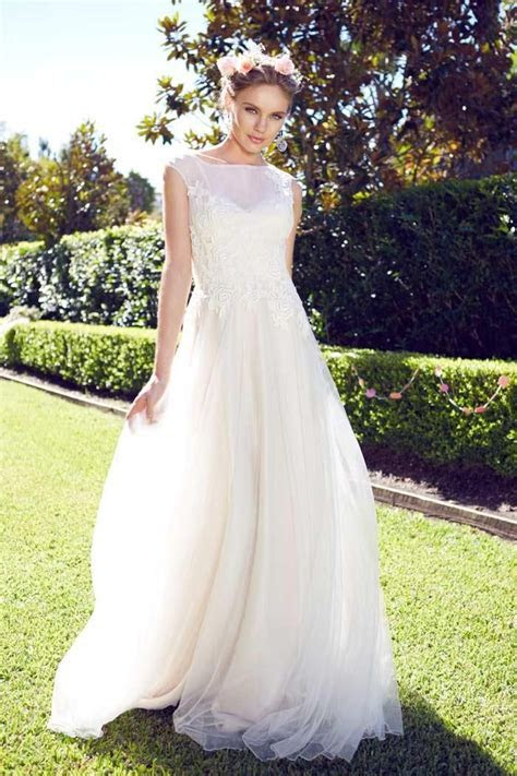 Garden Wedding Dresses for Outdoor Wedding Theme   Wedding