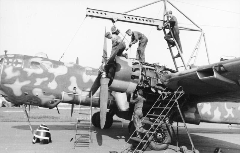 Bundesarchiv Bild 101I-676-7972A-14, Flugzeug Heinkel He 177