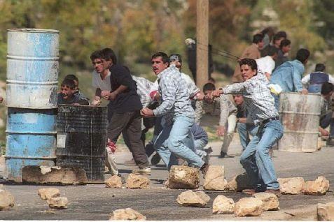 Palestinian Arabs in Judea and Samaria sometimes use slingshots to hurl rocks at Israeli motorists. (archive photo)