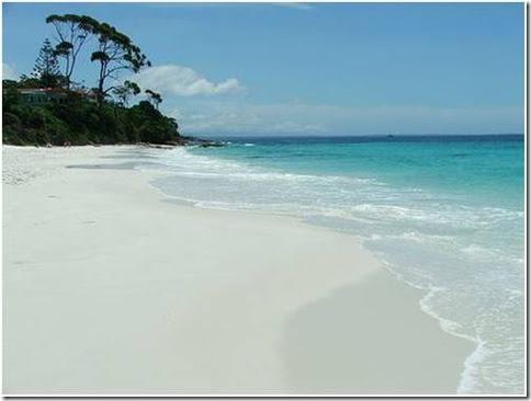 Praia de areia branca 1