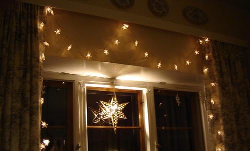 jouluvalot pimeässä