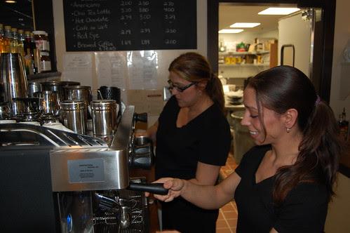 CafeDolce: Leisa, Samantha