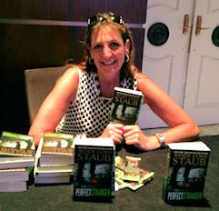 signing at Thrillerfest