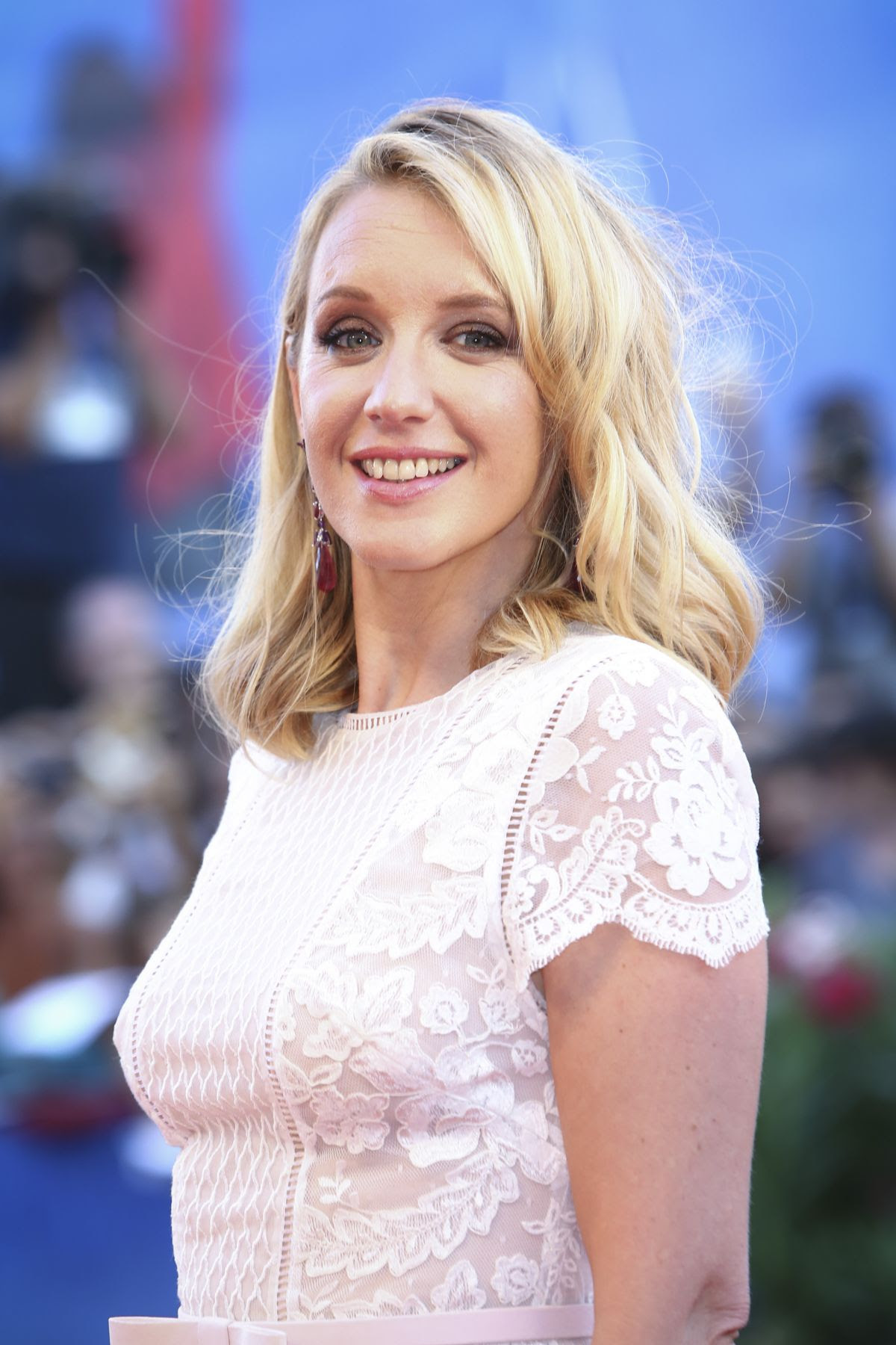 LUDIVINE SAGNIER at