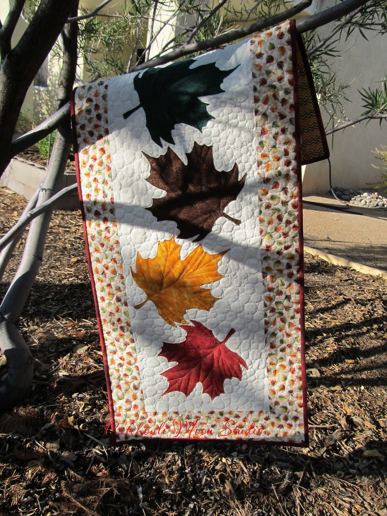 falling leaves table runner (2)