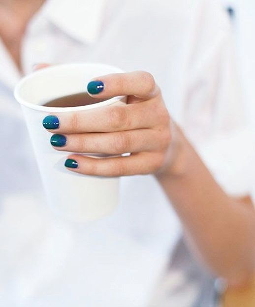 Le Fashion Blog Nail Color Inspiration Teal Polish Peter Som Backstage Beauty photo Le-Fashion-Blog-Nail-Color-Inspiration-Teal-Polish-Peter-Som-Backstage-Beauty.jpg