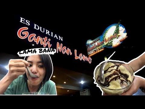 """Lezatnya Es Durian """"Ganti Nan Lamo"""" Padang"""