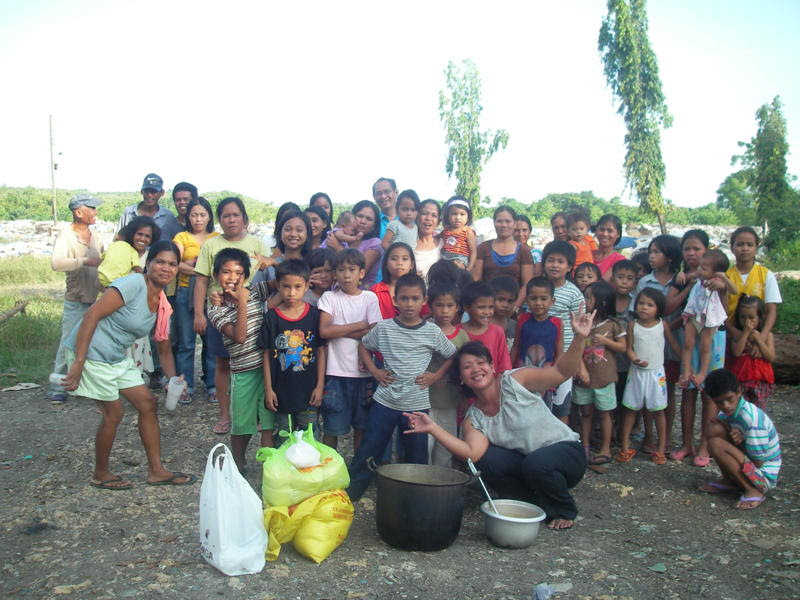 Feeding Children Tagb dumpsite