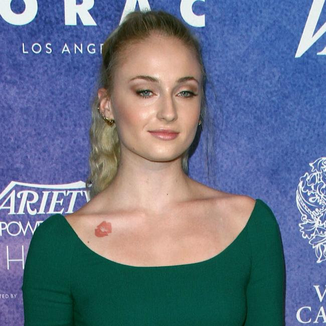 Sophie Turner's wolf tattoo is fake