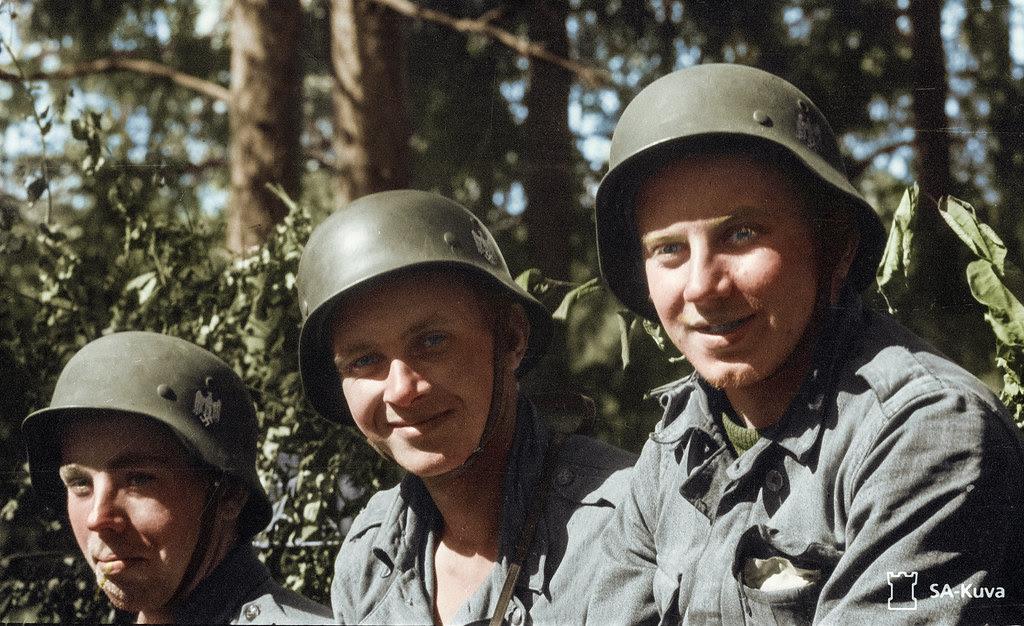 File:Estonian volunteers in finland in the continuation war.jpg