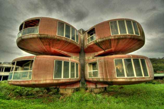10 Strangest Buildings In The World | I Like To Waste My Time