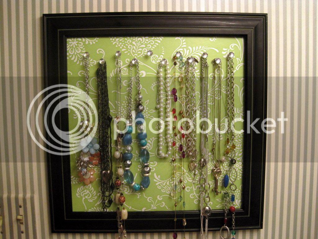 DIY Necklace Display - tutorial {Breezy Pink Daisies}