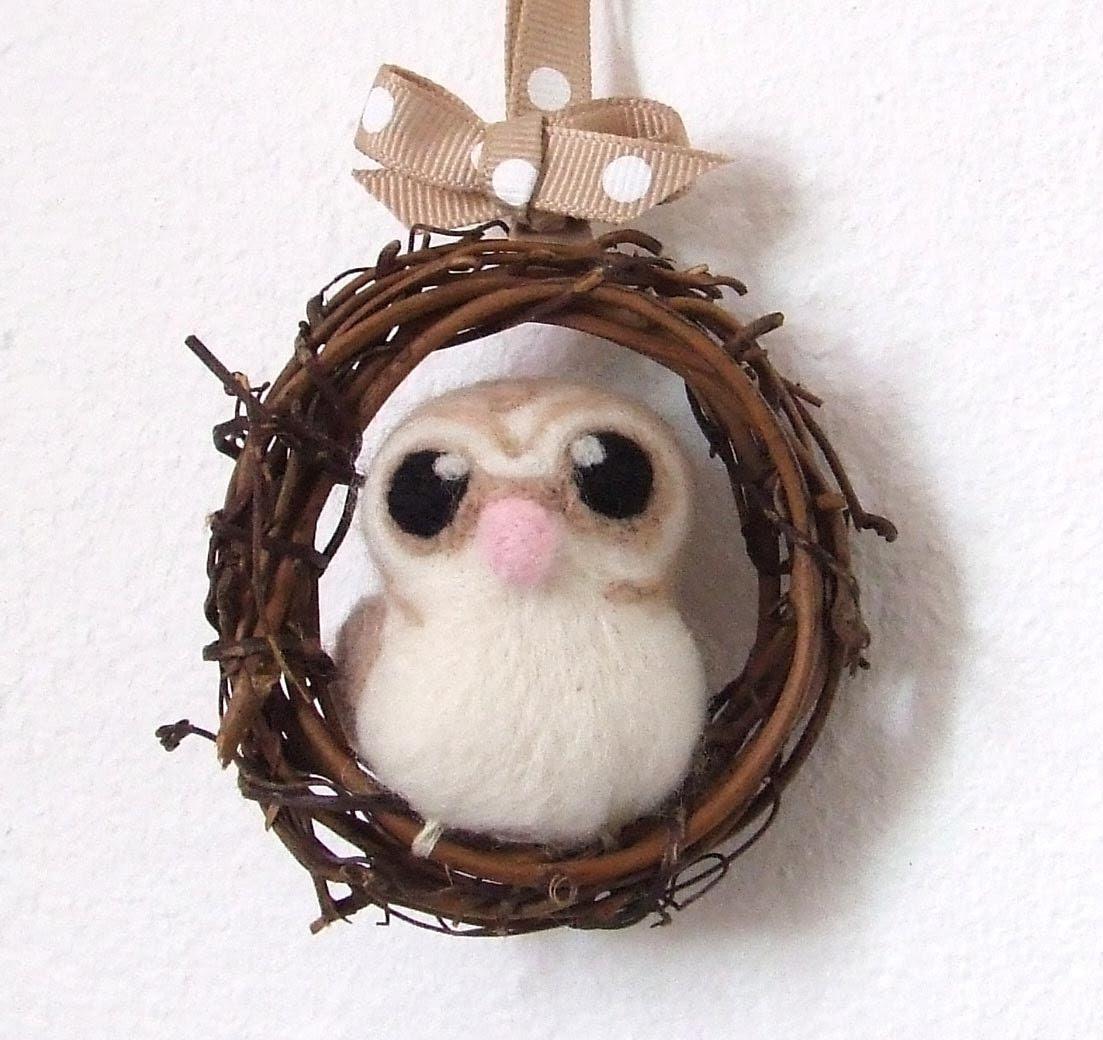 Needlefelted Barn Owl Mini Autumn Wreath with Felt Bird - feltmeupdesigns