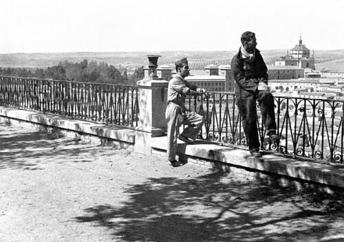 Milicianos en el Paseo del Miradero (Toledo).Foto Vincent Doherty
