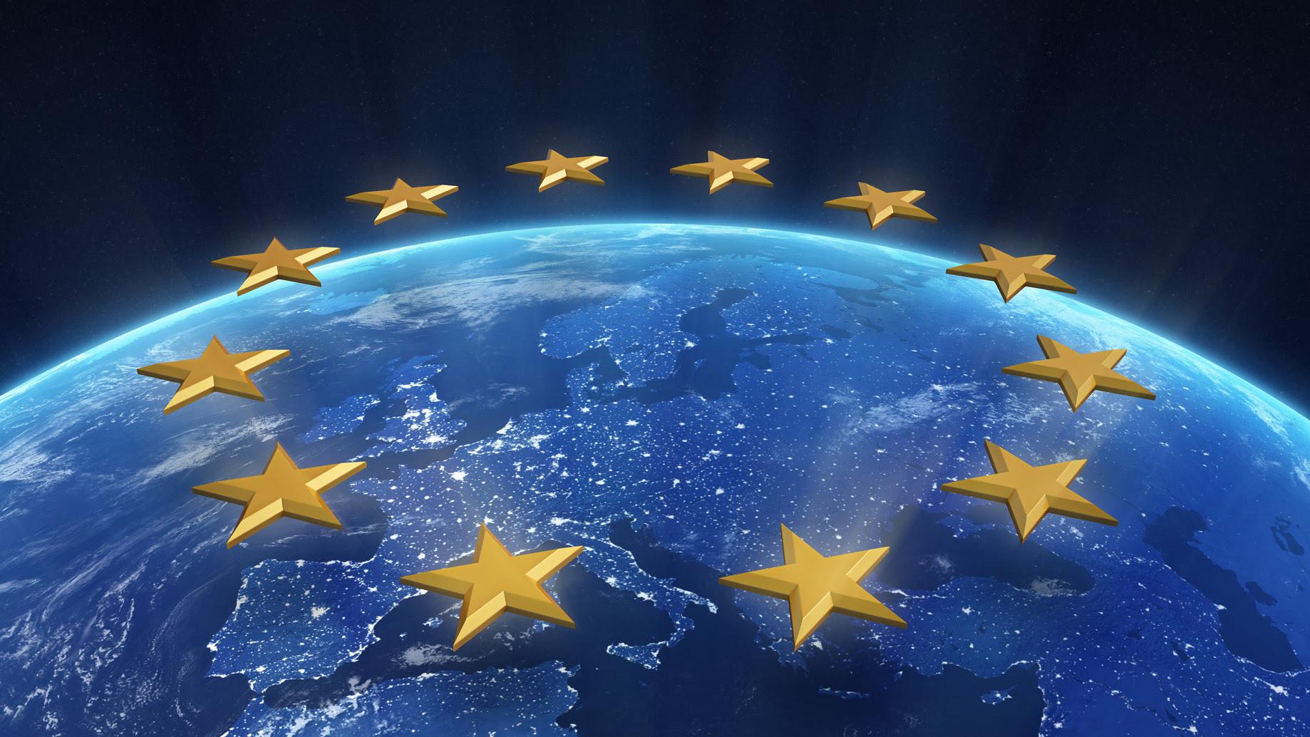 NÈ NATO NÈ RUSSIA, L'EUROPA HA BISOGNO DI UNA POLITICA INTERNA ED ESTERA INDIPENDENTE